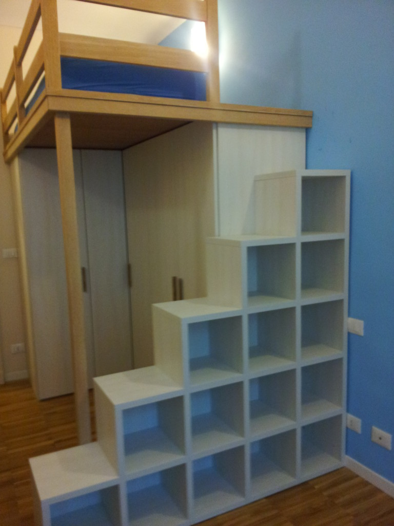 Camere letto e armadi mobilificio morra for Coprigradini per scale in legno ikea