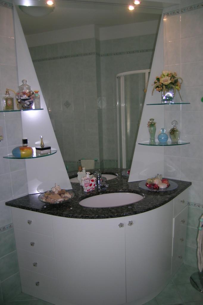 mobile bagno angolare | Mobilificio Morra